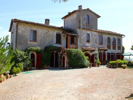 Casciana Terme villa in posizione unica
