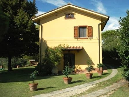 Lari Villa For Sale