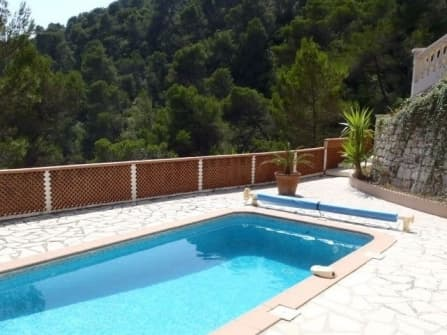 Charming villa for sale in Nice