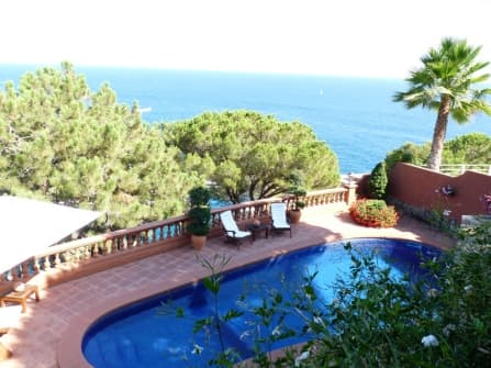 Enchanting villa for sale in Lloret de Mar