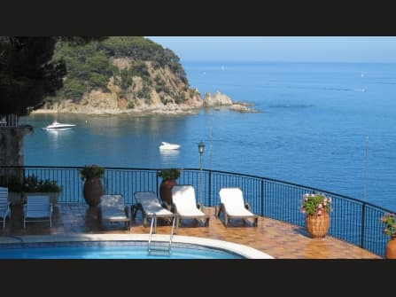 Splendid villa for sale in Lloret de Mar