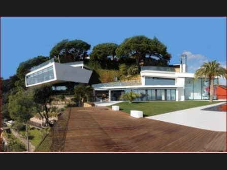 Престижная вилла на Коста Брава на продажу