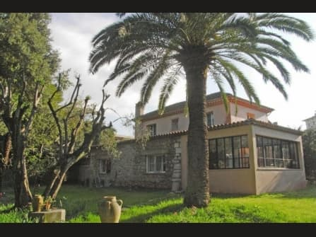 Enchanting villa for sale in Cannes