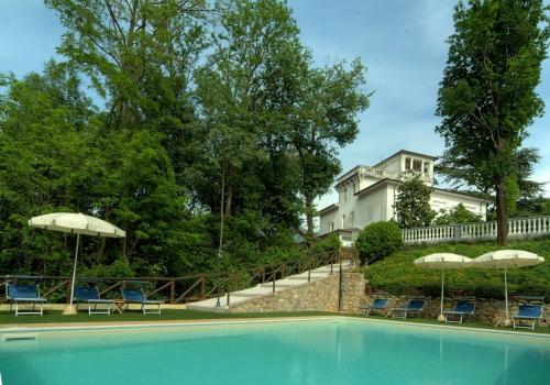 Luxury villa for sale in Camaiore