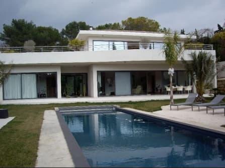 Luxury modern villa in Mougins
