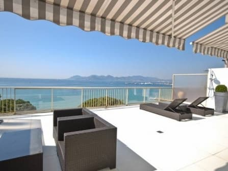 Chic apartment for sale in Cannes Croisette