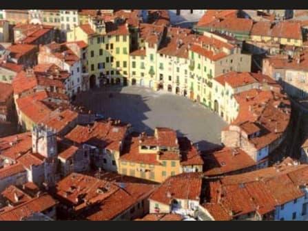 Lucca Casa In Vendita
