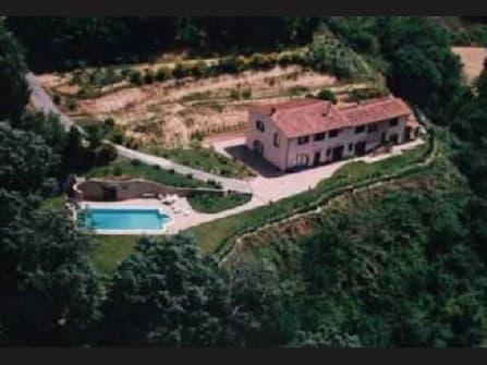 Villa di campagna con parco e piscina