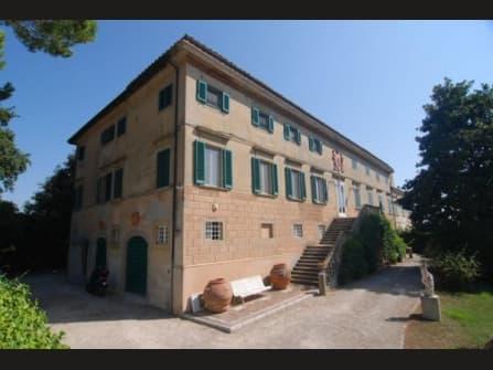 Elegant manor house with garden , views Pisa