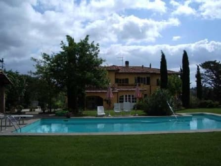 Farmhouse for sale in Fauglia