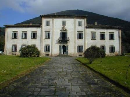 Historical villa between Pisa and Lucca