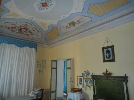 Villa storica con giadino