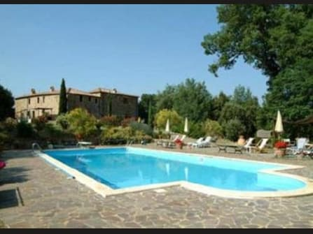 Agriturismo for sale close to Montalcino