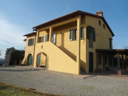 Country house  in panoramic position