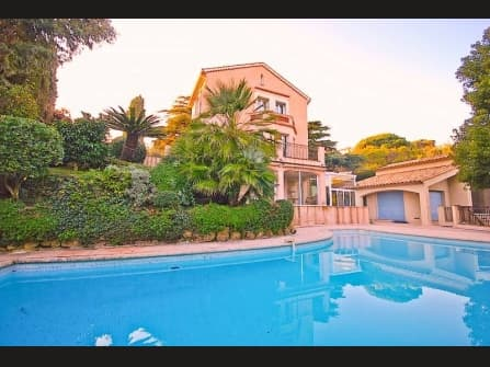 Charming provencale villa for sale in Cannes