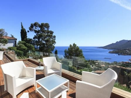 Beautiful villa for sale in Theoule-sur-Mer