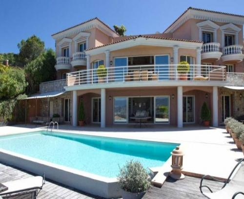 Sea view villa for sale in Theoule-sur-Mer