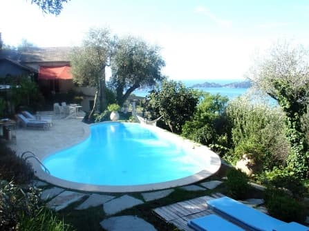 Sea view luxury villa for sale in Zoagli