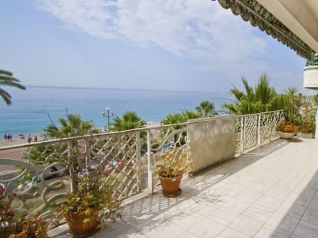 Spacious apartment on Promenade des Anglais