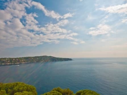 Unique apartment for sale in Nice Mont Boron