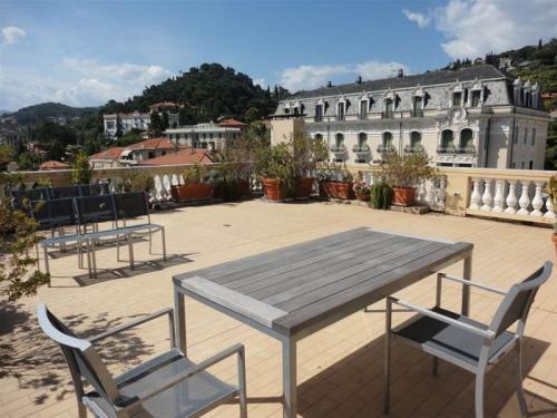 Апартамент на продажу в Бордигере (Лигурия)