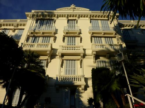 Ospedaletti Apartment For Sale
