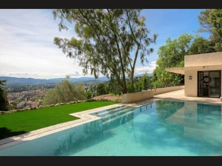 Modern villa for sale in Le Cannet