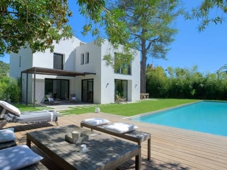 Super modern villa for sale in Cannes