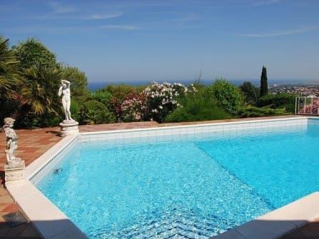 Villa Taunus con piscina
