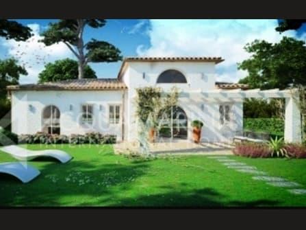 Villa For Sale in Taunus Numana