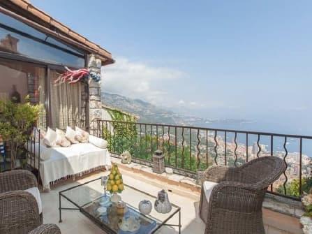 Enchanting villa for sale in La Turbie