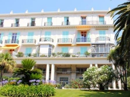 Роскошная квартира на продажу в Ницце Симье