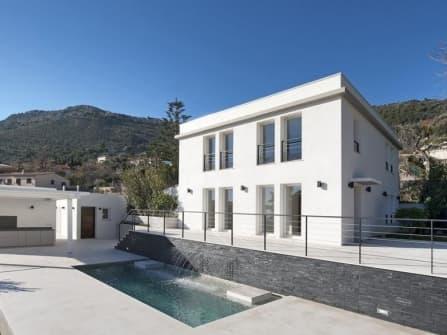 Modern villa for sale in Beausoleil