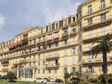 Chic apartment for sale in Cannes