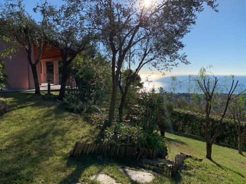 Новая вилла на море на продажу в Сан Ремо