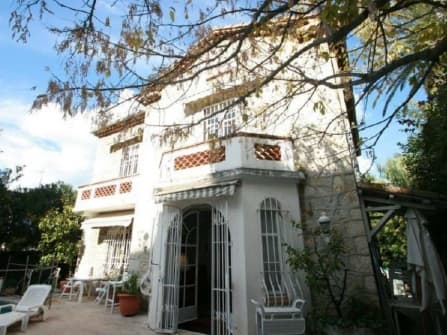 Unique villa for sale in Cannes