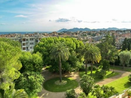 Amazing sea view apartment for sale in Cannes