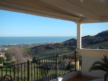 Loreto Aprutino Holiday house with terrace