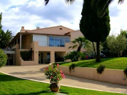 Charming villa for sale in Cannes