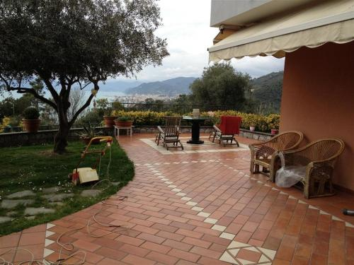 Lavagna Villa For Sale