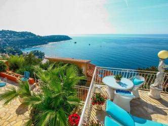 Sea front villa in Roquebrune Cap Martin