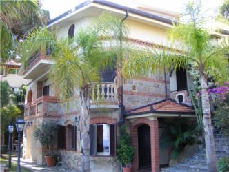 Villa in  San Remo