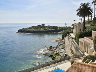 Luxury villa sea front for sale in Cap d'Ail