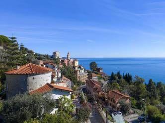 Vintimille villa vue mer a vendre