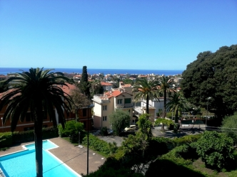 Sea view villa for sale in Bordighera