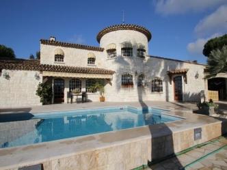 Villa vista mare in vendita a Super Cannes