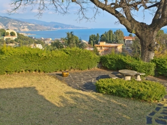 Luxury villa for sale in Roquebrune-Cap-Marti