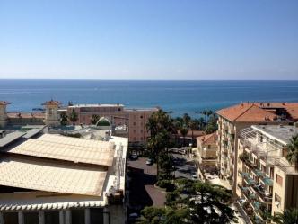 Красивая квартира с видом на море в Сан Ремо