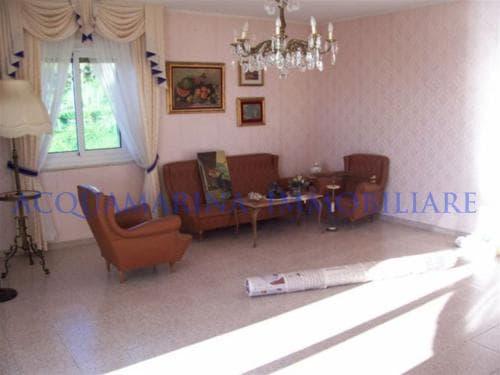 Sanremo Top Floor For Sale<br />4/6