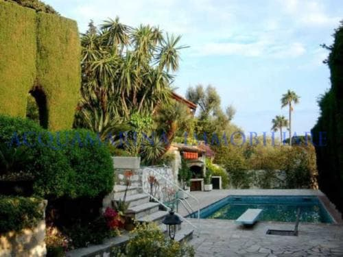 villa Antibes sale<br />2/5